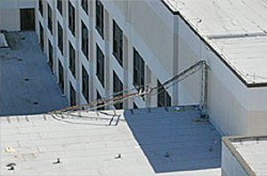 Collapsed communications antenna
