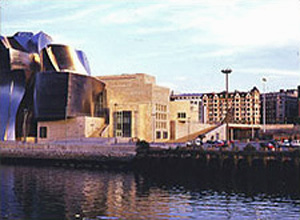Photo of the Guggenheim Museum, river view