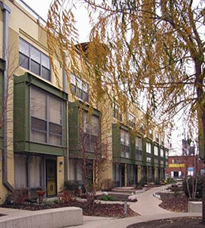 exterior photograph of townhouses in Chicago, IL